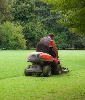 Garden and lawn tractors market research report