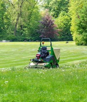 commercial lawn mower market research report